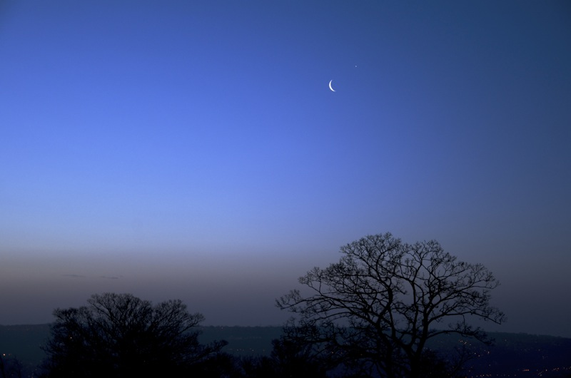 Venus and moon over Sheffield (Venus is a hove and right of the moon). Got up a little late really for this.
